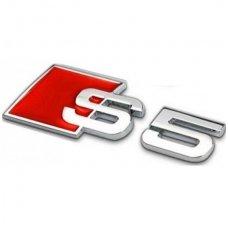 Audi S5 klijuojama emblema