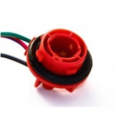 BAY15S - P21/5W dviejų apatinių kontaktų lemputės jungtis tvirtinimas į žibintą