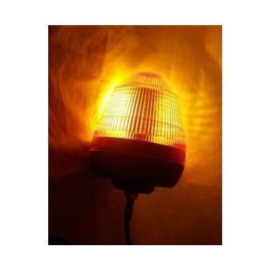 Sertifikuotas įspėjamasis LED oranžinis švyturėlis tvirtinamas ant vamzdžio 3
