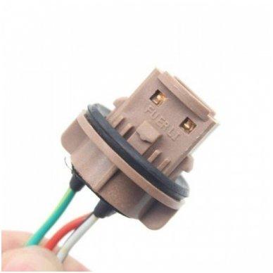 W21/5W / 7443 keturių apatinių kontaktų lemputės jungtis tvirtinimas į žibintą 2