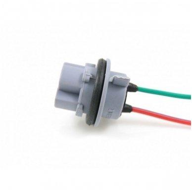 W21W / 7440 dviejų apatinių kontaktų lemputės jungtis tvirtinimas į žibintą
